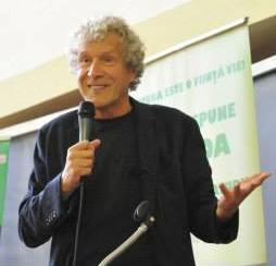 John Perkins in Romania