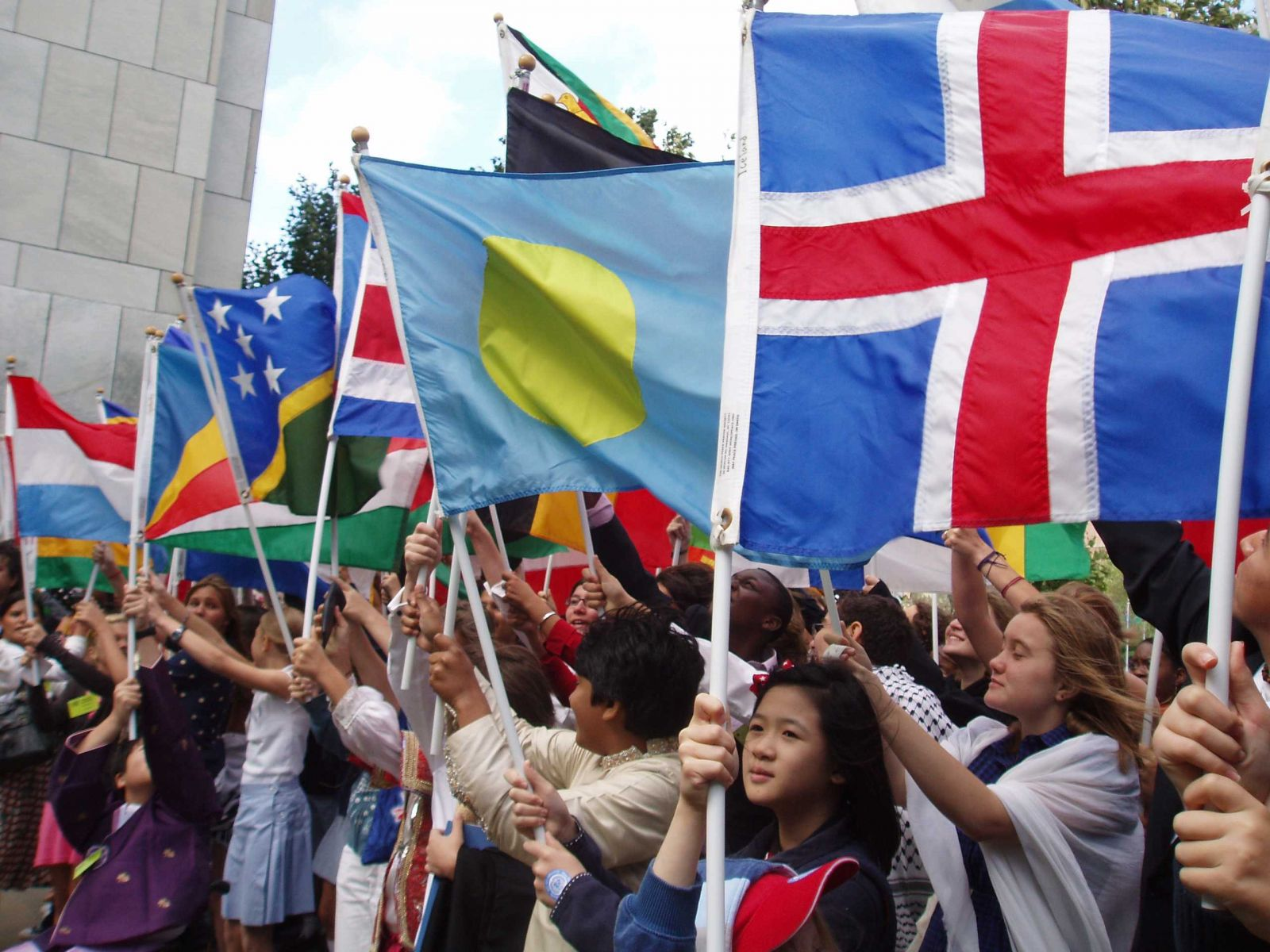 Students Raise Flags at UN